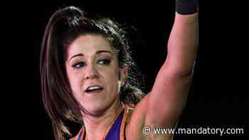 Bayley Uses The Ropes To Beat Charlotte Flair