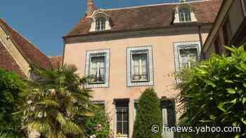 """Réouverture de la maison-musée où Proust savoura la fameuse madeleine : Stéphane Bern présent pour soutenir un """"patrimoine de proximité"""" - Yahoo Actualités"""