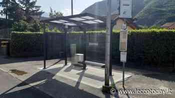 Valmadrera: posate le nuove pensiline alle fermate degli autobus in sei zone della città - LeccoToday