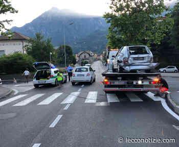 Valmadrera: in tre si scontrano su via Roma. Nessun ferito - Lecco Notizie