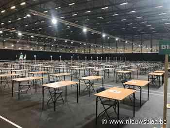 Dranghekken en liters ontsmettingsgel: hier worden maandag 100.000 'coronaveilige' examens georganiseerd