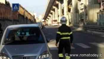Pigneto, cade copriferro dalla sopraelevata: paura sulla via Prenestina