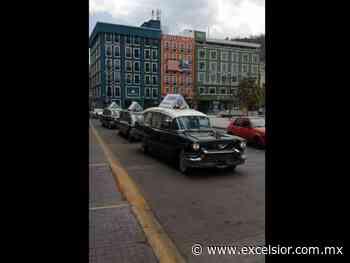Con desfile de carrozas fúnebres, llaman a quedarse en casa en Pachuca - Excélsior