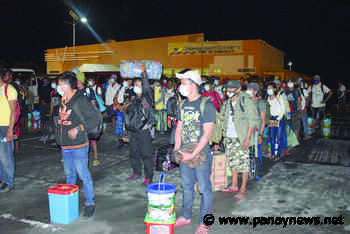 Over 1K Antique sugar migrants stranded in NegOcc return home - Panay News