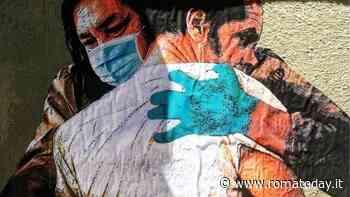 Un murales per tutti gli abbracci mancati a causa del coronavirus