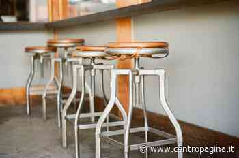 Jesi, baristi e ristoratori in piazza per denunciare le difficoltà a ripartire - Centropagina