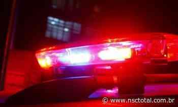 Homens armados invadem casa no Progresso, em Blumenau, e um acaba preso   NSC Total - NSC Total