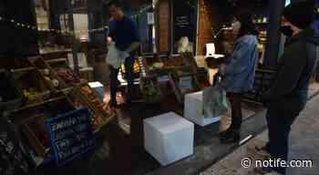 Rosario: por la crisis, un salón de fiestas se convirtió en verdulería - Noti Fe