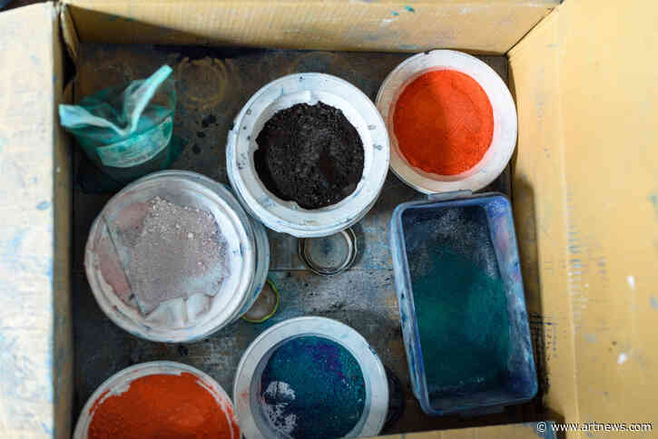 Make Your Own Paints with the Best Pigment Powders