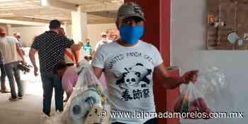 El alcalde de Jojutla dona 500 despensas a familias - La Jornada Morelos