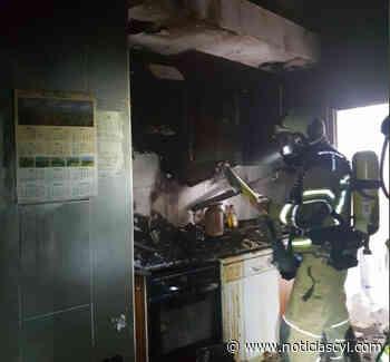 Las llamas calcinan la cocina de una vivienda en Valladolid - Noticiascyl