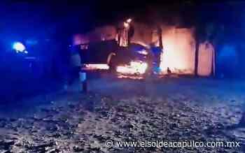 Incendian autobús de grupo musical en Iguala - El Sol de Acapulco