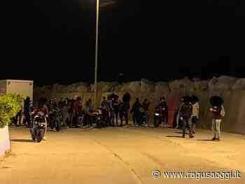 """Ragazzi assembrati al porto di Pozzallo, Ammatuna: """"Così non va. Sono stati formalmente diffidati"""" - Ragusa Oggi"""