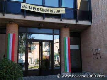A Cavriago imbrattati con svastiche simboli delle istituzioni e della lotta partigiana - Bologna 2000