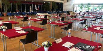 """À Chelles, la première réunion du conseil municipal """"ressemble plus à un centre d'examen"""" - Europe 1"""