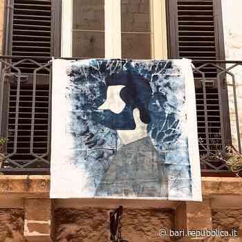 L'arte al posto del bucato: dai balconi di Rutigliano la mostra è sulle lenzuola appese - La Repubblica