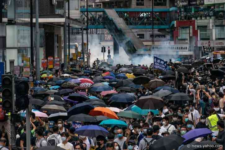 Hong Kong protests flare up again, as demonstrators issue calls for independence