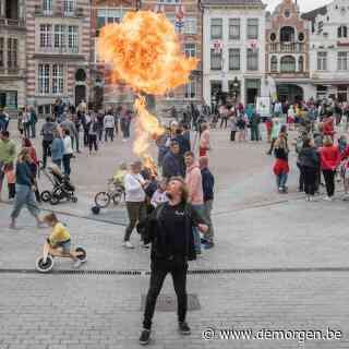 Live - Massa volk komt samen in Dendermonde: 'Als we dit vaker zien, moeten we mondmasker verplichten'