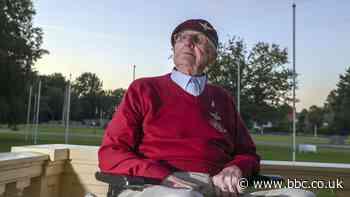 Veteran WW2 paratrooper Sandy Cortmann dies at 97