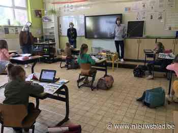 """Hier moeten leerlingen hun eigen speelgoed meenemen naar de opvang: """"Moet mijn kleuter zich de hele dag met he - Het Nieuwsblad"""