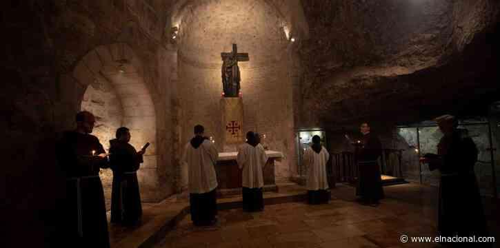 Reabrió con restricciones el Santo Sepulcro de Jerusalén