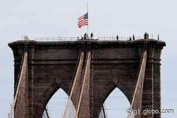 Polícia detém homem no topo da Ponte do Brooklyn, em Nova York - G1