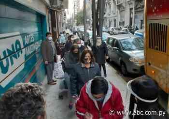 Un grupo de 120 paraguayos regresa de Buenos Aires - Política - ABC Color