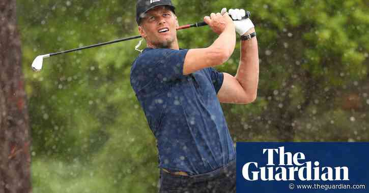 Tom Brady holes out from 100 yards, splits pants during $10m match with Tiger Woods