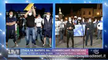 """Commercianti in protesta da Milano a Lipari: """"Siamo sfiniti"""" - Mediaset Play"""