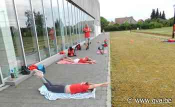 Wedstrijdzwemmers oefenen noodgedwongen op het droge (Hoogstraten) - Gazet van Antwerpen