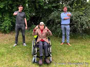 'Sooike' (87) krijgt gloednieuwe rolstoel