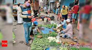 4 days after storm, veggie prices hike in Kol mkts