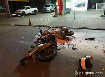Batida entre motocicletas deixa dois rapazes feridos em Teodoro Sampaio - G1