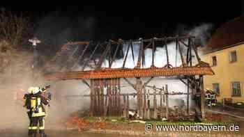 Scheunenbrand bei Rothenburg: Mehrere Fahrzeuge in Flammen - Nordbayern.de