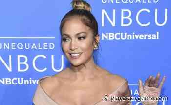 It video pump!!! Jennifer Lopez at the pool with nothing underneath and doing this - Play Crazy Game
