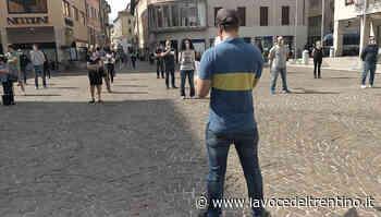 Quarto sabato di protesta a Trento per le «Mascherine Tricolori» - il Video - la VOCE del TRENTINO