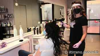 A Viareggio inaugurato il nuovo salone di parrucchiera dopo il blocco del lockdown - Il Tirreno
