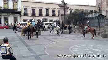 Llegan los caballitos bailadores al Centro a pesar del Quédate en Casa - Quadratín - Quadratín Michoacán