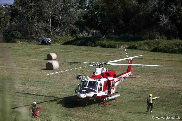 Roma, aereo biposto precipita nel Tevere: salvo pilota, disperso allievo