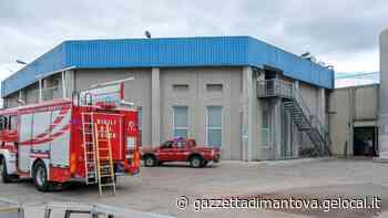 Precipitano dal tetto di un capannone alto 5 metri: incidente alla Mantua Surgelati - La Gazzetta di Mantova