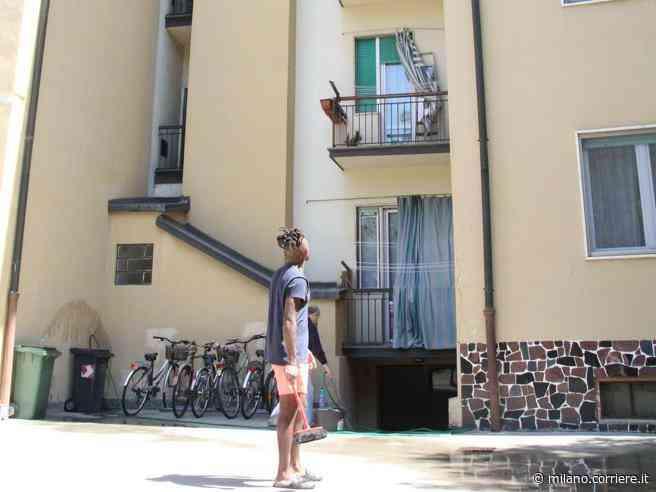 Casalpusterlengo, morto bambino di quattro anni precipitato dal balcone al quarto piano - Corriere della Sera
