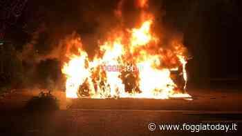 Ancora auto incendiate nel Foggiano: a fuoco la Mini Cooper di un commerciante - FoggiaToday