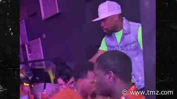 Floyd Mayweather Hits Packed Nightclub in AZ, No Masks Anywhere! - TMZ
