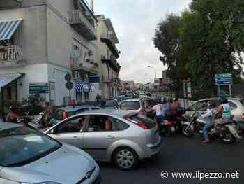 BACOLI/Inferno a Miseno e Miliscola: parcheggi chiusi e auto in sosta in doppia fila - Il Pezzo