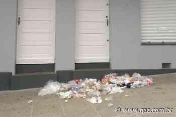 Moradores voltam a reclamar de lixo acumulado no Centro de Santa Cruz - GAZ