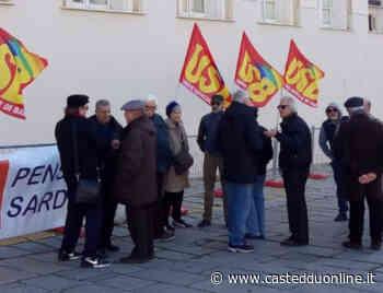 """Cagliari, i pensionati protestano in piazza: """"Macché buona sanità, tempi biblici per una visita"""" - Casteddu on Line"""