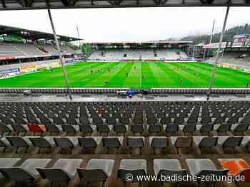 Fotos: Das erste Geisterspiel im Schwarzwaldstadion geht 0:1 verloren - SC Freiburg - Fotogalerien - Badische Zeitung
