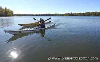 Kayaking a safe option for exercise amid pandemic - Brainerd Dispatch