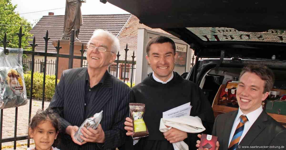 Pater Jozef Matula denkt in Uganda gerne an Blieskastel zurück - Saarbrücker Zeitung