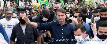 Coronavirus: deux grands médias brésiliens boycottent les points de presse informels de Bolsonaro